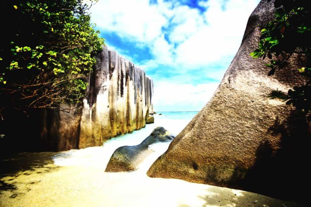 pirate hideout seychelles shoreline